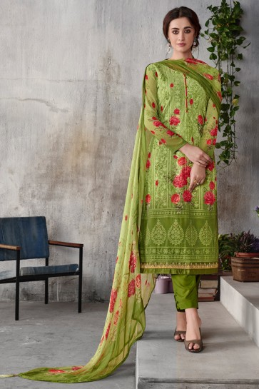 Charming Green Embroidered Georgette Salwar Kameez With Chiffon Dupatta