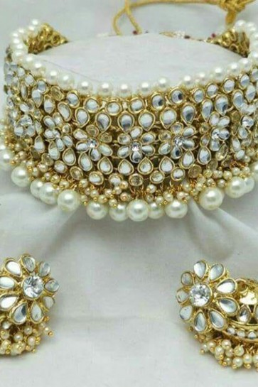 Beautiful White Kundan Choker Necklace