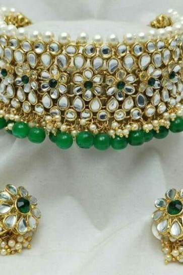 Gorgeous Green Kundan Choker Necklace