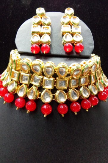 Graceful Red Kundan Necklace