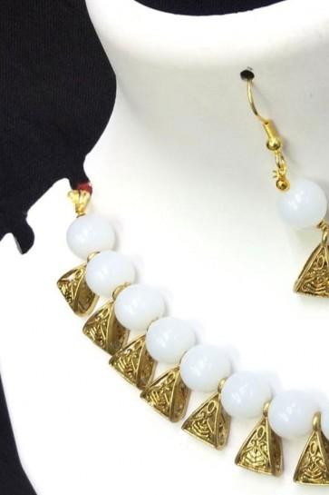 Excellent White and Golden Long Beads Necklace