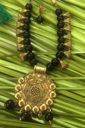 Admirable Black Neck Piece Beads Necklace