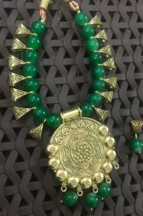 Desirable Green Neck Piece Beads Necklace