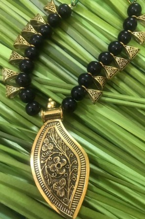 Beautiful Black Neck Piece Beads Necklace
